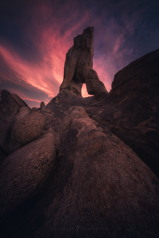 An arch during sunset in Alabama Hills, Lone Pine California.