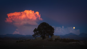 Moon rise and sunset storm cloud.