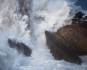 oregon coast wave, landscape photography, crop tool, lightroom